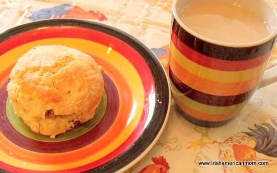 A cuppa tea and a scone