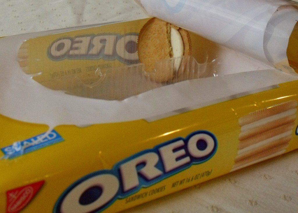 The last chipped golden Oreo in a packet
