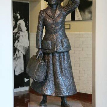 The sculpture of Annie Moore the first immigrant to pass through Ellis Island