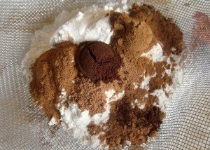 Spice mixed with flour for a plum pudding
