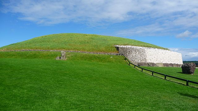 http://commons.wikimedia.org/wiki/File:Flickr_-_bastique_-_Newgrange_from_the_side.jpg