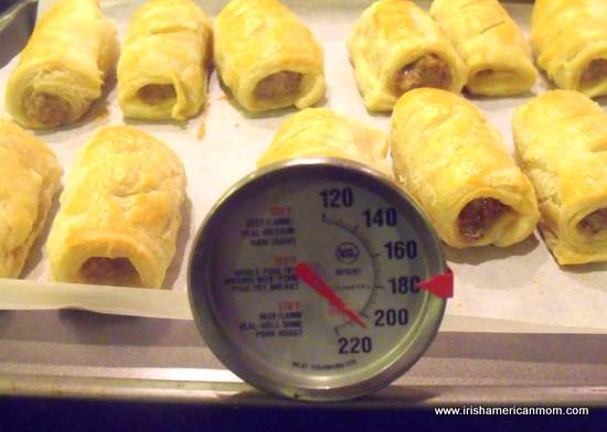 Internal temperature of meat filling in sausage roll
