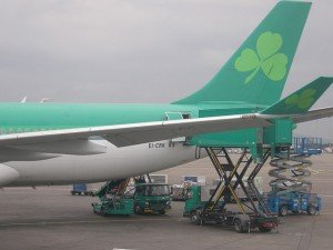 green shamrock on the tail of an Irish Aer Lingus airplane