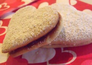 Two cookies with jam sandwiched between