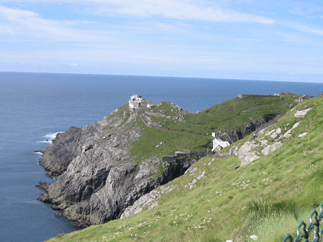 http://commons.wikimedia.org/wiki/File:Mizen_head_ireland.png