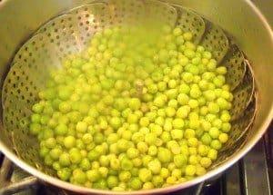 peas in a steamer for mush peas