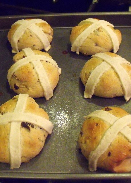 hot cross buns with golden brown crust fresh out of the oven