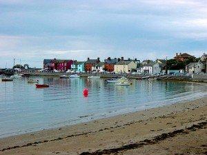 http://en.wikipedia.org/wiki/File:Harbor_at_Skerries,_Ireland.JPG