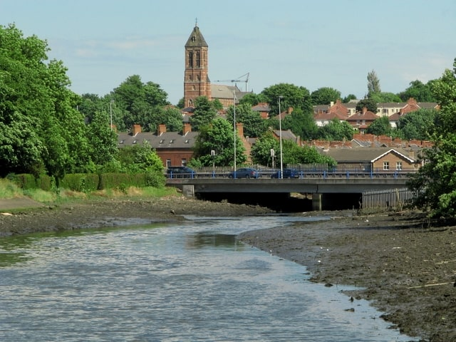 http://www.geograph.org.uk/photo/857815