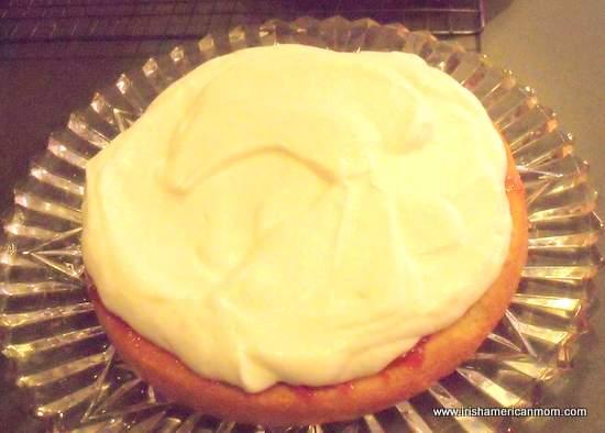 Layer of cream in a sponge cake