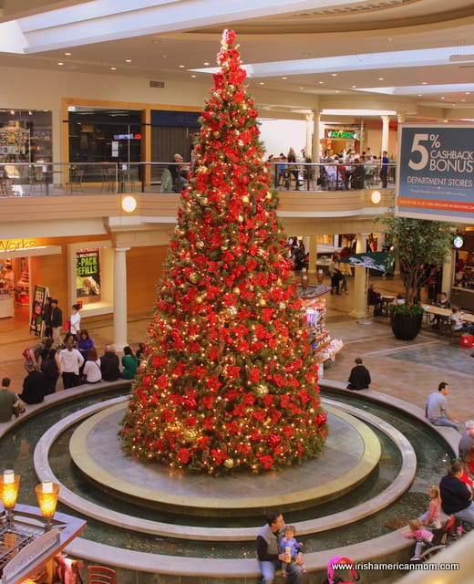 A red glittering Christmas tree in an American mall