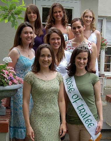 Entrants with Rose of Tralee sash pose for a photo