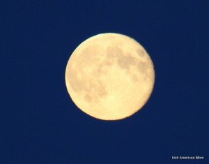 https://www.irishamericanmom.com/2013/08/24/a-full-moon-over-dublin-bay/