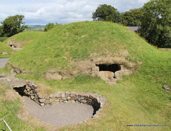 Dwelling mounds found at Knowth