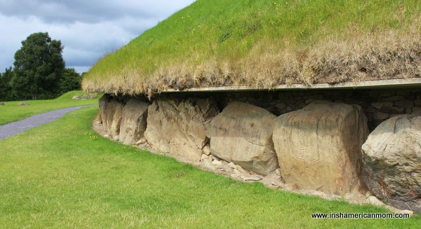 Kerbstones around the big mound in Knowth