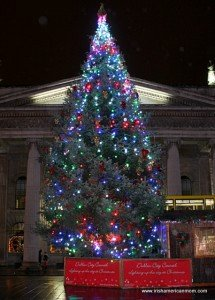 Dublin's O'Connell Street Christmas tree in 2014