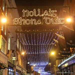 Christmas lights saying Nollaig Shona Duit in Dublin