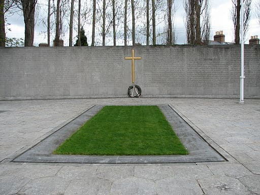 https://www.irishamericanmom.com/2015/04/06/remembering-easter-monday-1916-plus-introducing-the-easter-commemoration-digest/