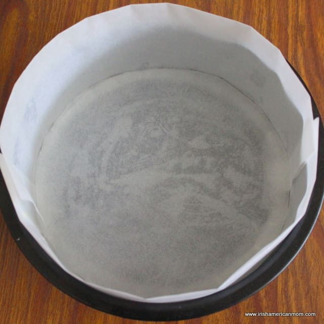 Baking tin or pan lined with parchment paper