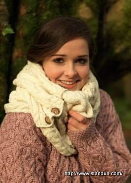 Carraig Donn Snood Scarf with Buttons