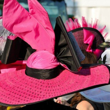 a pink show hat for horse racing