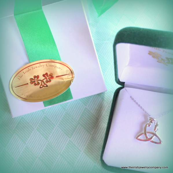 Perfect Irish gife - a trinity knot necklace