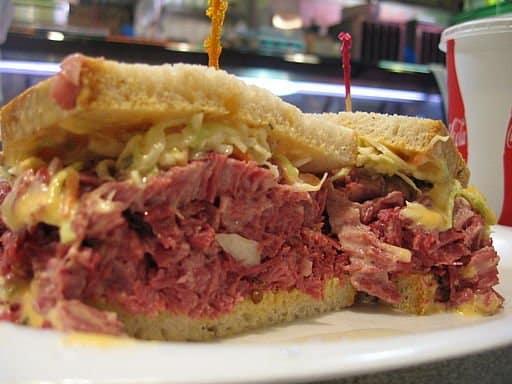 Corn_beef_Reuben_sandwich