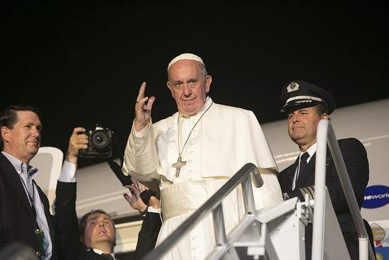 Pope Francis Leaving Philadelphia September 2015