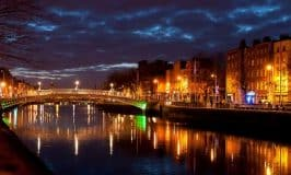 https://www.irishamericanmom.com/2016/05/20/dublins-hapenny-bridge/