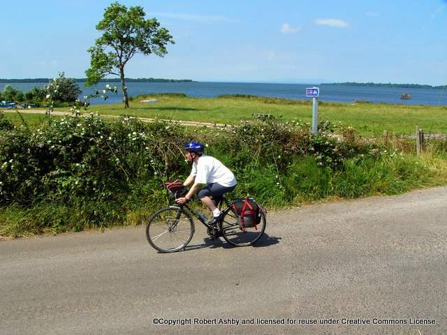 the-loughshore-trail-near-lough-neagh