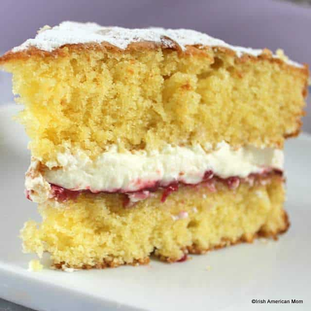 victoria-sponge-sandwich-with-jam-and-cream-using-a-traditional-irish-or-english-recipe