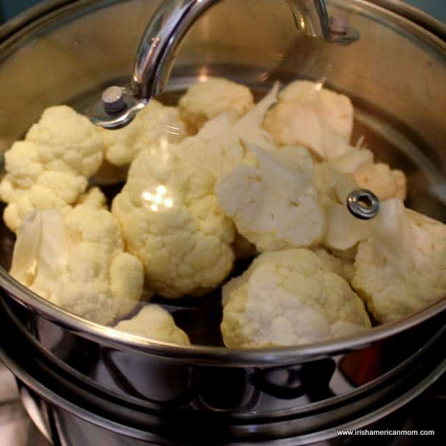 steaming-cauliflower-florets-for-cauliflower-cheese