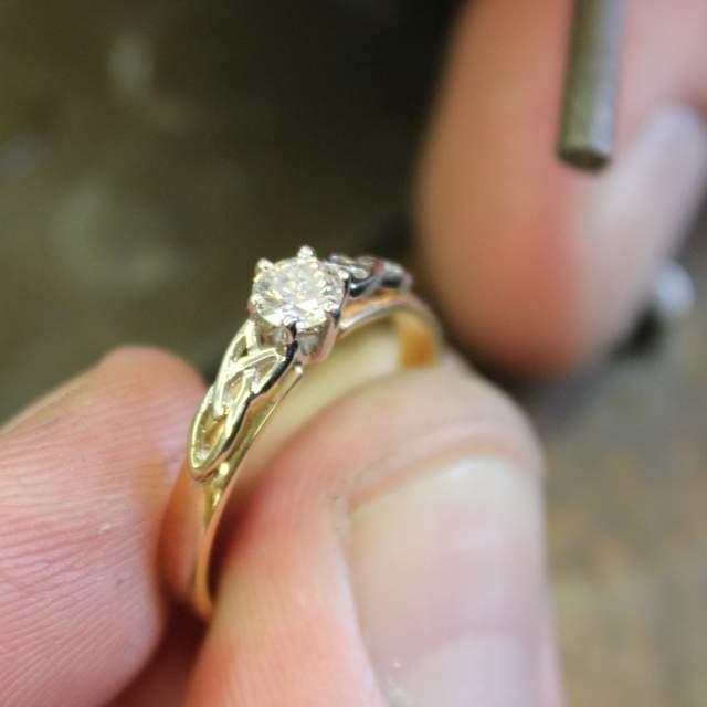 Irish engagement Trinity ring in white gold with diamon