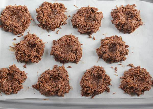 Forming nests with chocolate coated shredded wheat