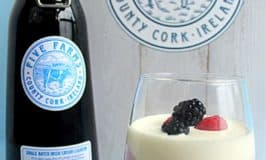 Creamy berry mousse with a taste of Ireland