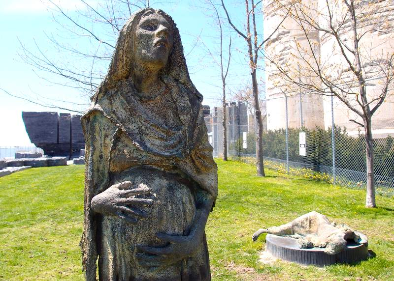 A statue of a pregnant woman
