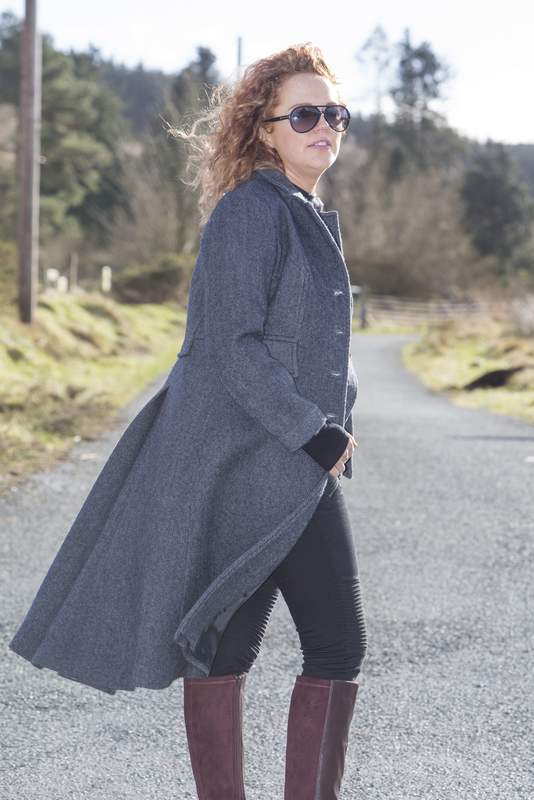 Stylish ladies blue tweed coat with a modern cut and design