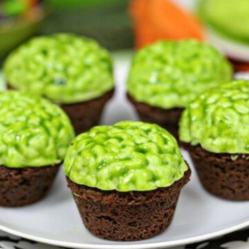 Green zombie brain decorations on brownie bites for Halloween
