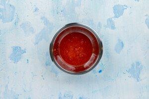 Strawberry sauce ina bowl