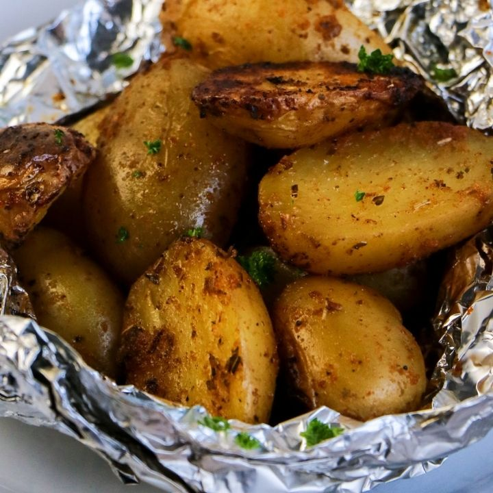 Grilled crsipy potatoes in a foil packet